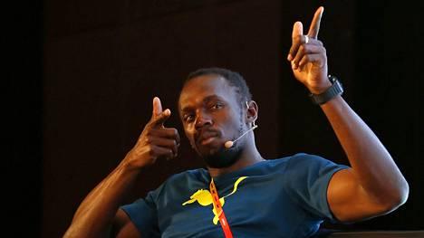 Usain Boltin eleet olivat tutut lehdistötilaisuudessa Pekingissä.