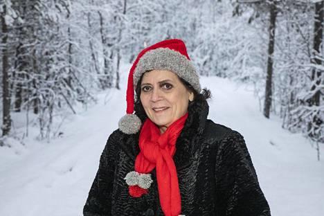 Päivikki Palosaari vietti viime keväänä pisimmillään kaksi kuukautta sairaalassa. Suomalaisesta terveydenhuoltojärjestelmästä hänellä on pelkkää hyvää sanottavaa. – En ymmärrä terveydenhuoltoon liittyvää mollausta yhtään – varsinkaan kun olen itse saanut äärimmäisen hyvää hoitoa ja hotellitason palvelua.