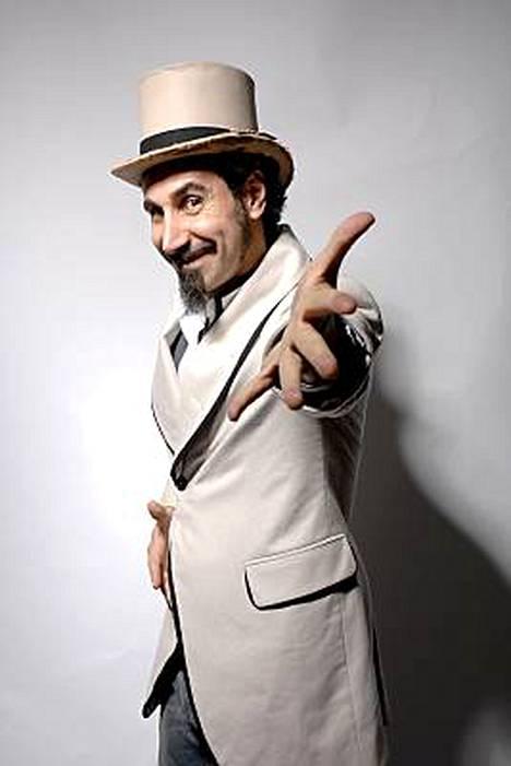 Serj Tankian esiintyy Seinäjoen Provinssirockissa lauantai-iltana.