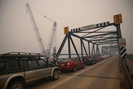 Evakuoinnit ja käynnissä oleva loma-aika aiheuttavat paljon liikennettä.