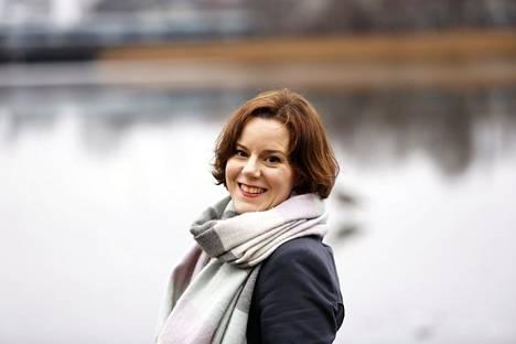 –Itselläni käytän yhtenä kiireen ja ajankäytön mittarina esimerkiksi sitä, koska olen itse viimeksi ehdottanut lapselleni yhteistä tekemistä. Ei lapsen kuulu olla aina se, joka pyytää kontaktia, lastenpsykiatrian erikoislääkäri Janna Rantalalla sanoo.