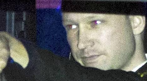 Norjan poliisia on arvosteltu hitaasta toiminnasta Behring Breivikin pidättämisessä.
