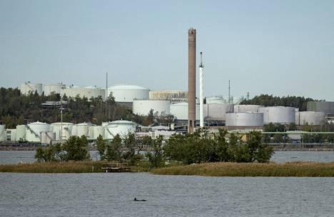 Neste aloittaa 470 henkilöä koskevat yt-neuvottelut ja yhtiö kaavailee Naantalin jalostamon lakkauttamista.