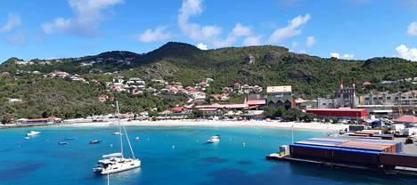 Ruotsin kuninkaan Kustaa III:n mukaan nimetty Gustavia on Ranskan merentakaisen paikallishallintoalueen Saint Barthélemyn ainoa kaupunki. Mimerin miehistö pääsi käymään viimeisen kerran maissa Gustaviassa 10. maaliskuuta.
