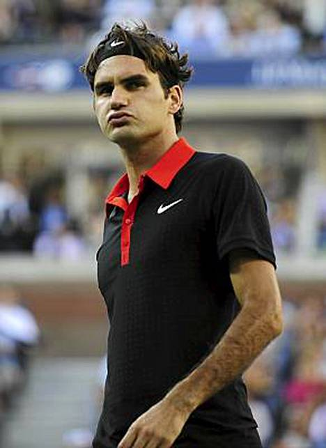 Roger Federerin paluu kilpakentille venyy maaliskuuhun.