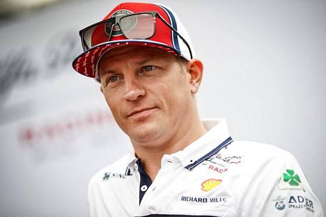 Kimi Räikkönen jatkaa F1-sarjassa myös ensi kaudella.