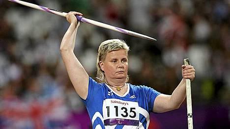 Marjaana Huovinen heitti paralympiapronssia.