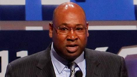 Cortez Kennedy oli pelipaikkansa dominoivimpia pelaajia NFL:ssä.