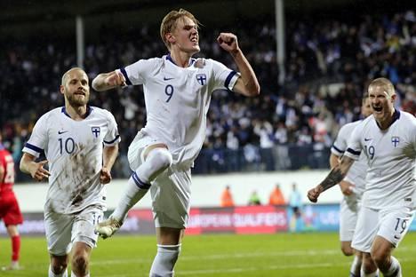Huuhkajat pelaa EM-ottelun Tanskaa vastaan Parkenilla Kööpenhaminassa. Rokotushalukkuus on ollut Tanskassa Pohjoismaiden suurin – osasyy on se, että tanskalaiset haluavat, että maassa pelataan EM-futista kesäkuussa.