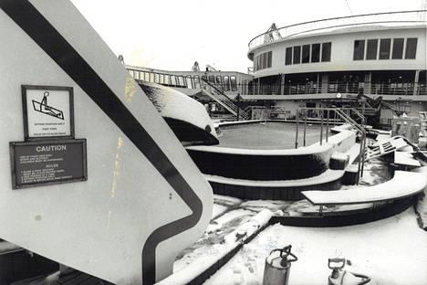 Fantasyn kannella ei näyttänyt juhlalliselta Helsingin tammikuisessa säässä vuonna 1990.