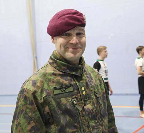 Utin jääkärirykmentin esikuntapäällikkö Jussi Kosonen oli positiivisesti yllättynyt suuresta hakijamäärästä.