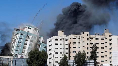 Israel on pommittanut Gazan alueella sijaitsevan 13-kerroksisen talon, jossa oli ainakin televisiokanava Al Jazeeran ja uutistoimisto AP:n toimitiloja.