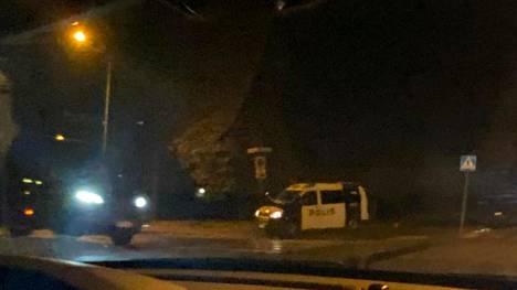 Helsingin poliisilla on parhaillaan käynnissä mittava operaatio Helsingin Kannelmäessä.