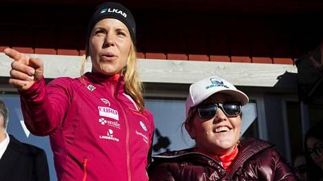 Charlotte Kalla (vas.) ja Anna Holmund kohtasivat lauantaina Sundsvallissa.