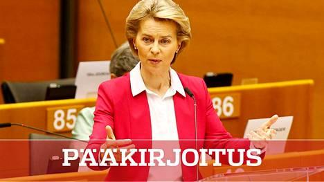 Euroopan komission puheenjohtaja Ursula von der Leyen esitteli elpymispakettia Brysselissä keskiviikkona. Siitä syntyy kiista Suomessakin.