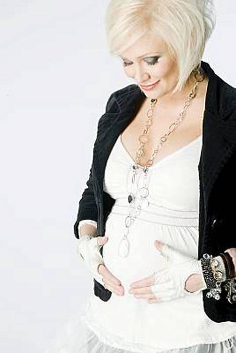 Linda Lampeniuksen esikoistytär sai nimen Olivia.