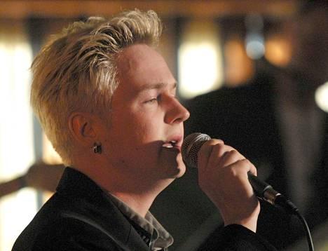 Iskelmäprinssiksi valittu Markus Huitsi vuonna 2001.