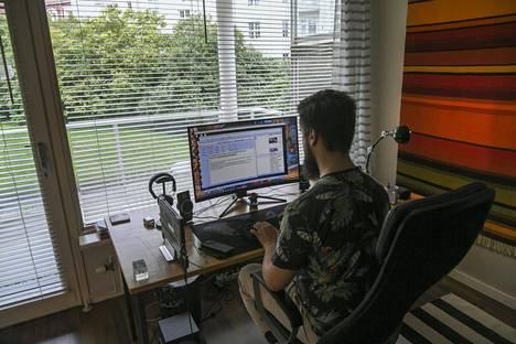 Etätyö kasvatti suosiotaan, mutta kotoa töiden tekeminen ei ole kaikissa ammateissa mahdollista.