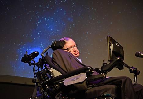 Stephen Hawking kuvattuna 2016 tähtitieteen tapahtumassa.