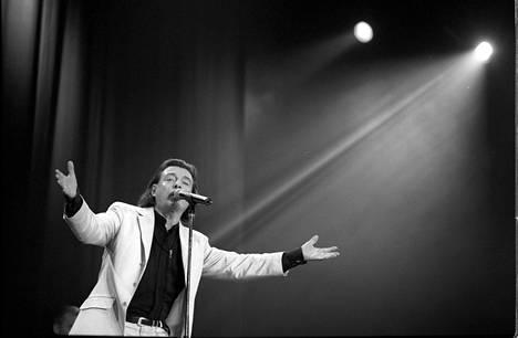 Kirka veti Hartwall Areenalla konsertin 50-vuotisjuhlansa kunniaksi vuonna 2000.