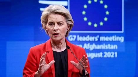 """""""Meidän on kaikin voimin pyrittävä estämään rokottamattomien pandemia"""", EU-komission puheenjohtaja Ursula von der Leyen sanoi."""