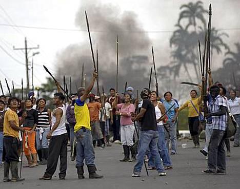 Intiaanit osoittivat mieltään Ecuadorissa