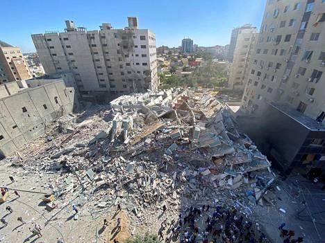 Jala Towerissa olivat muun muassa yhdysvaltalaisen uutistoimiston AP:n sekä qatarilaisen tv-kanavan Al-Jazeeran tilat.