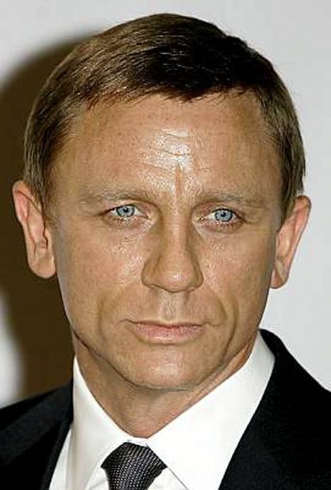 James Bondia näyttelevä Daniel Craig kruunattiin toistamiseen Britannian tyylikkäimmäksi mieheksi GQ-lehden vuotuisessa listauksessa.