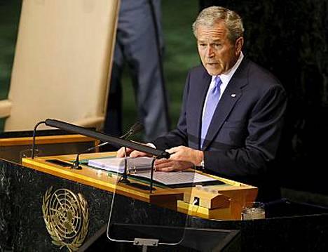 Bush sanoi myös, että YK:n turvallisuusneuvoston tulee määrätä pakotteita Iranille sekä Pohjois-Korealle maiden ydinohjelmien vuoksi.