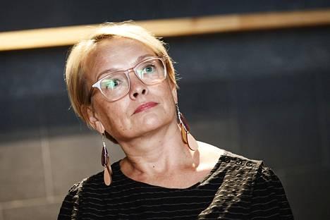 Ihmisoikeusliiton projektipäällikkö Johanna Latvala työskentelee esimerkiksi kunniaväkivaltaan liittyvien ongelmien parissa.
