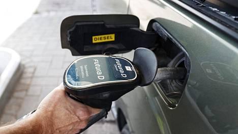 Edellisen kerran polttoaineverot nousivat noin kaksi viikkoa sitten, kun hallituksen viime vuonna hyväksymät veronkorotukset astuivat voimaan.