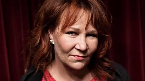 HS: Virve Rostin elämä musertui, kun hän synnytti kuolleen lapsen – vuoden päästä tapahtui ihme, jonka avulla laulaja selvisi suruajasta