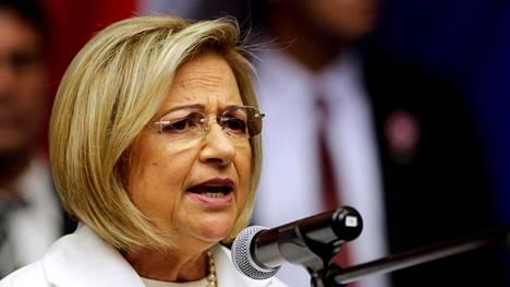 Alicia Pucheta nousee kesän ajaksi Paraguayn presidentiksi.