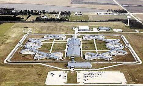 Presidentti Barack Obama on määrännyt liittovaltion ostamaan illinoisilaisen Thomson Correctional Center -vankilan