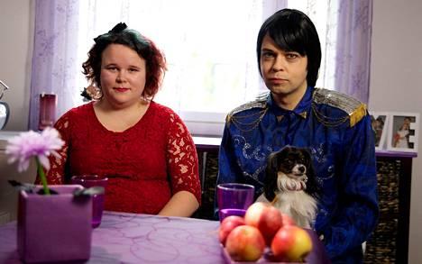 Jarkkis, 45, ja Miranna, 23, ovat olleet naimisissa jo viitisen vuotta.