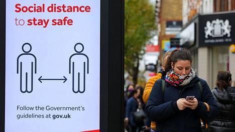 Times: Britannian odotetaan kiristävän koronarajoituksia dramaattisesti