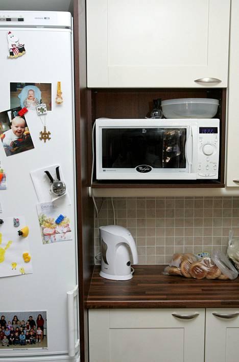Mikroaaltouunia käytettiin sekä lämmitykseen että ruoan valmistukseen.