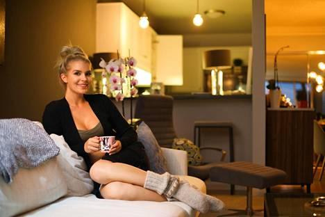 Pia Lamberg on tyytyväinen elämäänsä Losissa.
