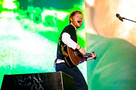 Brittiläinen Ed Sheeran on yksi maailman menestyneimmistä artisteista.