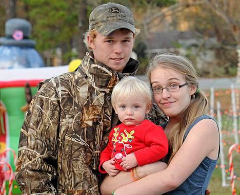 Chickadee-lempinimellä tunnettu Anna Cardwell on nykyisin naimisissa Michael Cardwellin kanssa. Pari avioitui tänä vuonna ja heillä on yhteinen lapsi.