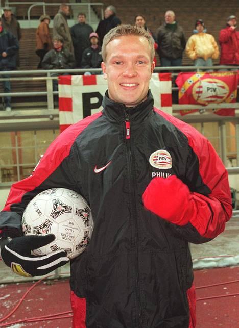 Joonas Kolkka edusti PSV:tä 1998 joukkueen kohdatessa Mestarien liigassa HJK:n.