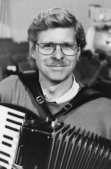 Seppo Hovi ja hanuri vuonna 1992.