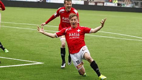 Matias Hänninen teki ensimmäisen liigamaalinsa lauantaina.