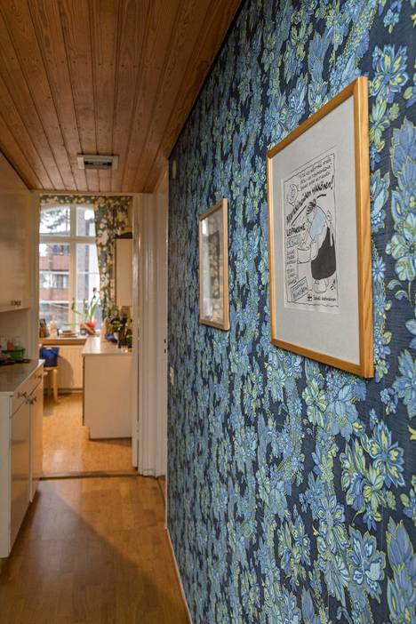 Koti henkii historian lisäksi rentoutta, kun ajan patinan annetaan näkyä huonekaluissa ja pinnoissa.