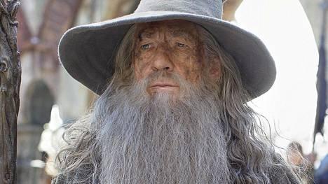 Ian McKellen näytteli Gandalf-velhoa Taru Sormusten herrasta -elokuvissa. Jos asiat olisivat menneet toisin, olisi hänen tilallaan voitu nähdä James Bond -elokuvista tuttu Sean Connery.