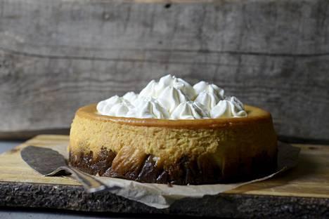 Ihana klassikko New York cheese cake maistuu tänä syksynä kurpitsalta.
