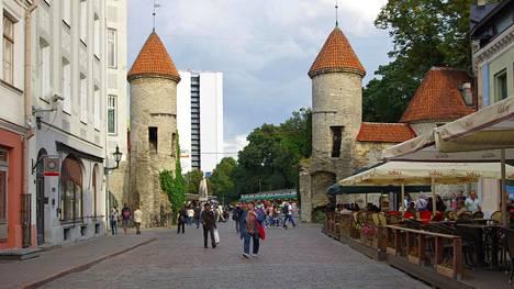 """""""Olen nähnyt suuren muutoksen suomalaisten Viron matkaamisessa"""", kertoo lukija."""