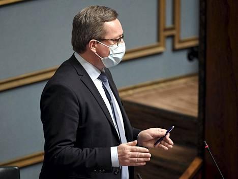 Elinkeinoministeri Mika Lintilä (kesk) kertoi keskiviikkona Ylen A-Studiossa olevansa käsityksessä, että Rokote Laboratories -yhtiölle on saatavissa yksityistä rahoitusta.
