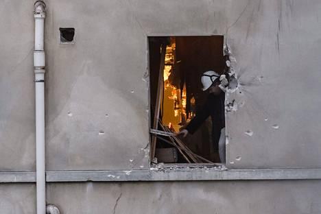 Piiritetty asunto tuhoutui pahaan kuntoon.