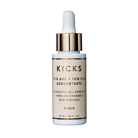Kicks Beautyn tiivisteessä on sekä AHA- että PHA-happoja. Se kuorii ja uudistaa ihoa yön aikana, 29,90 €, Kicks.